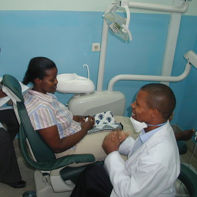 Mengzhu's Review of her Dental Internship in Dar es Salaam