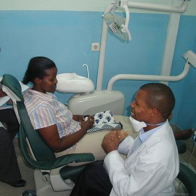 Mengzhu's Review of her Dental Internship in Dar es Salaam