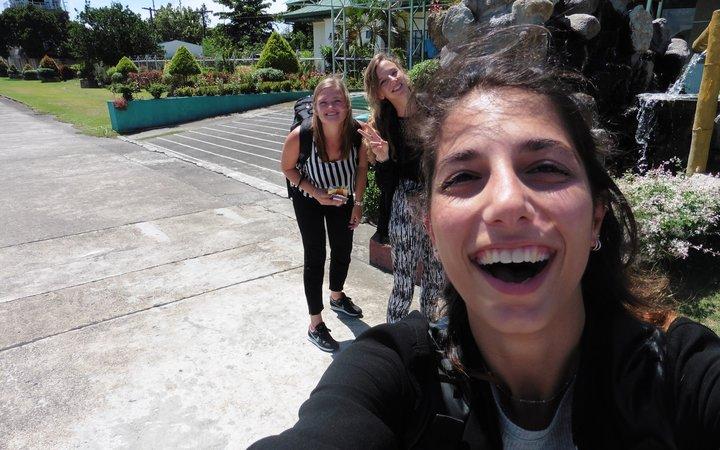 Michelle, Melania & Marit